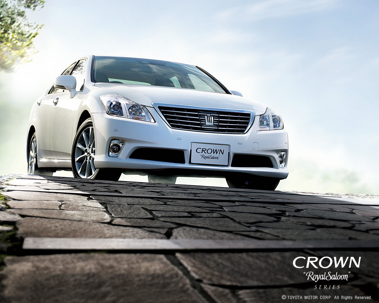 international toyota launches the all new 14th generation crown toyota 1280x1024