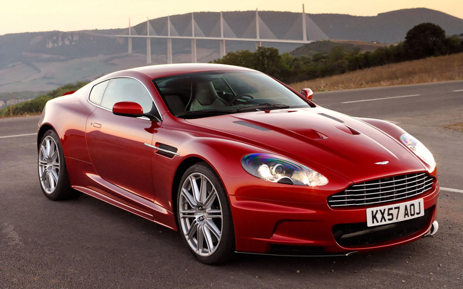 Tag Aston Martin DBS Wallpapers Backgrounds PhotosImages and 1600x1000