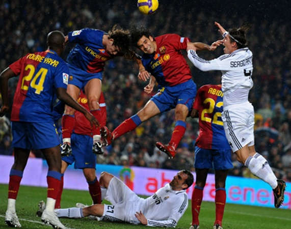Fc Barcelona Team Wallpapers Barcelona Vs Real Madrid Kick 571x450