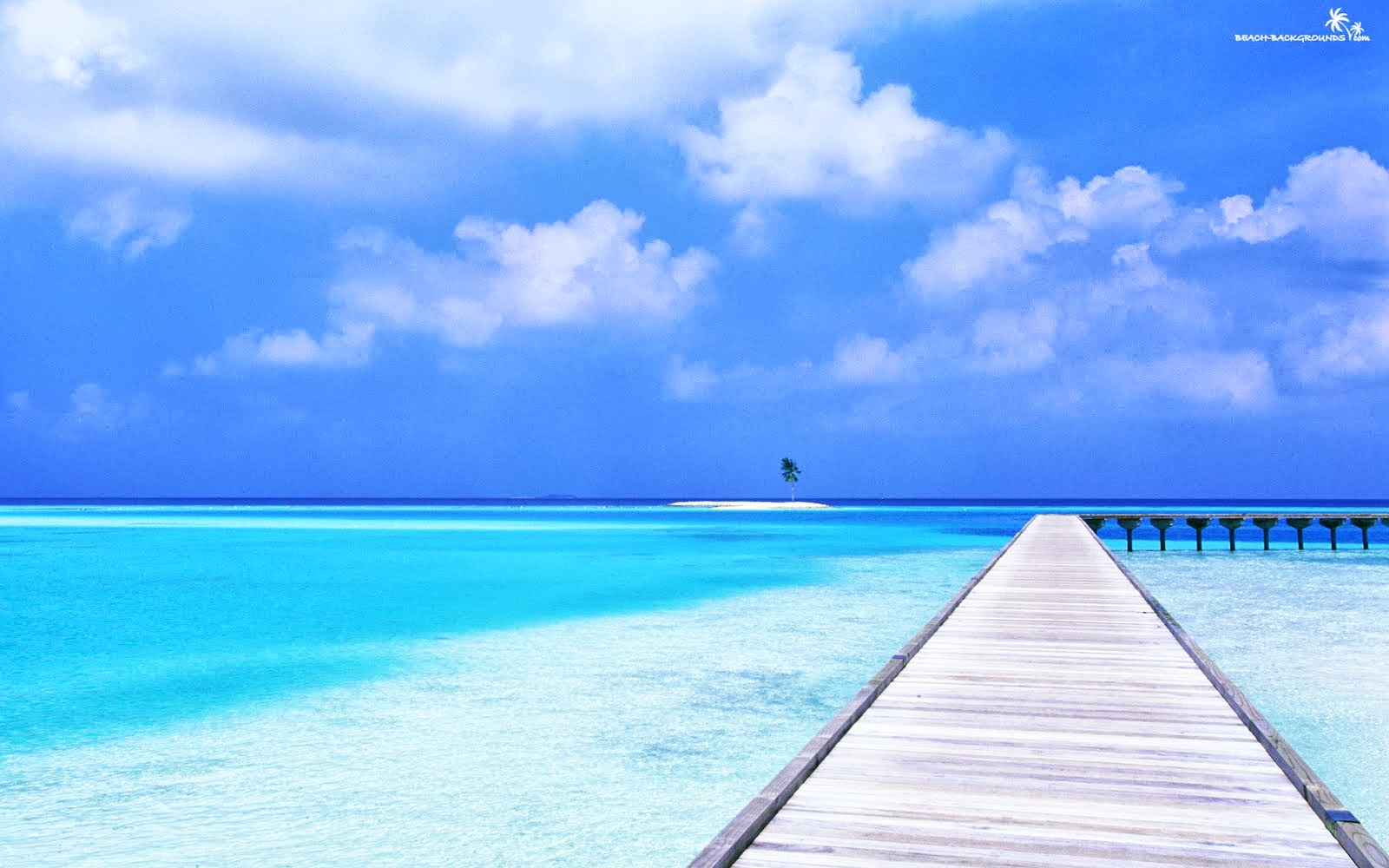 beautiful beach picture Awesome Crystal Blue Ocean Wallpaper 1600x1000