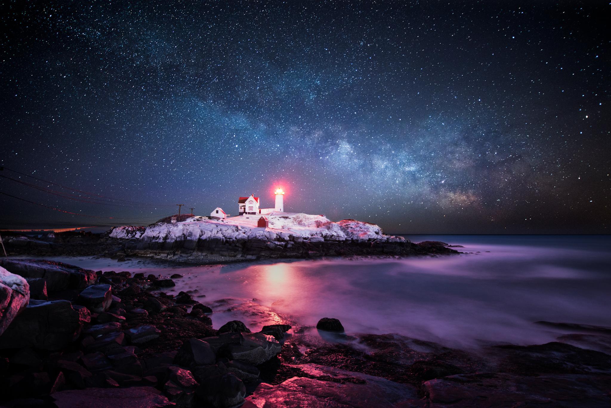 Lighthouse winter wallpaper 2048x1367 210416 WallpaperUP 2048x1367
