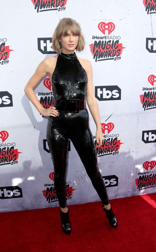 Taylor Swift iHeartRadio Music Awards 2016  16   GotCeleb 662x1066