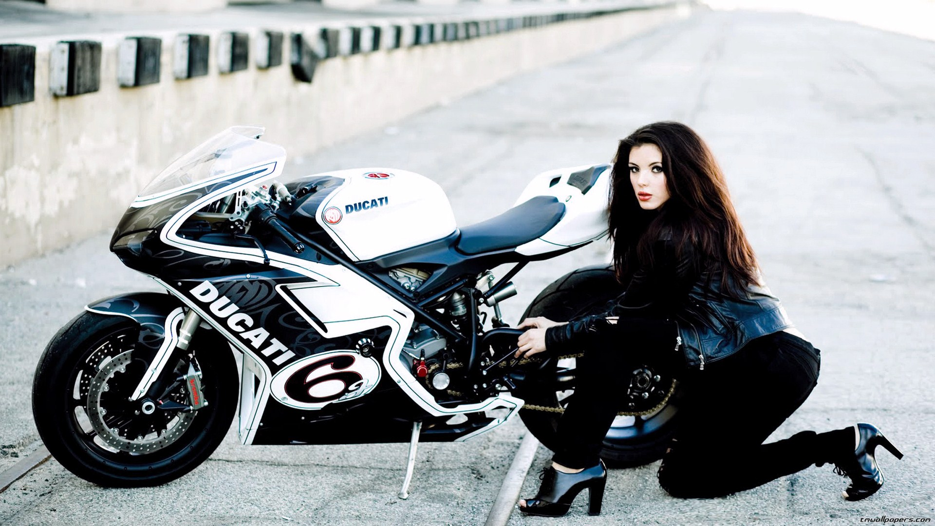 motorcycle girls wallpaper funny photos pictures images 2013 1920x1080