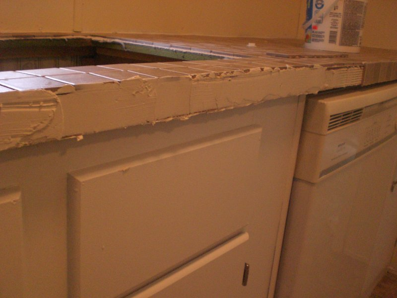 Next I moved to the short counter next to the fridge which went even 800x600