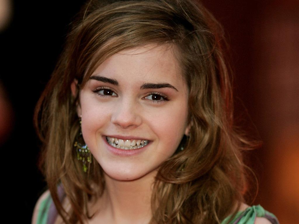 Emma Watson HD Wallpaper 1024x768