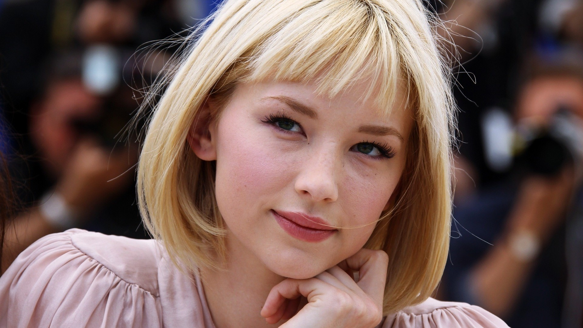 Haley Bennett HD wallpapers download 1920x1080