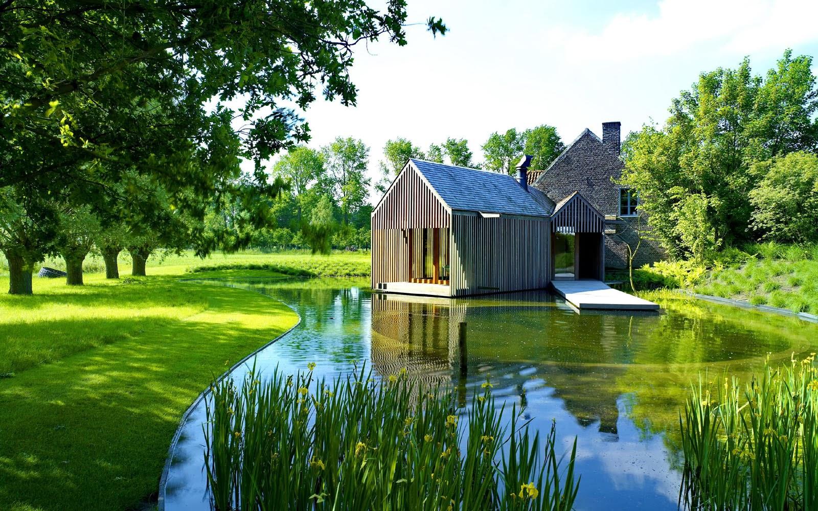 Красивый проект дома с фото и описанием много сельских