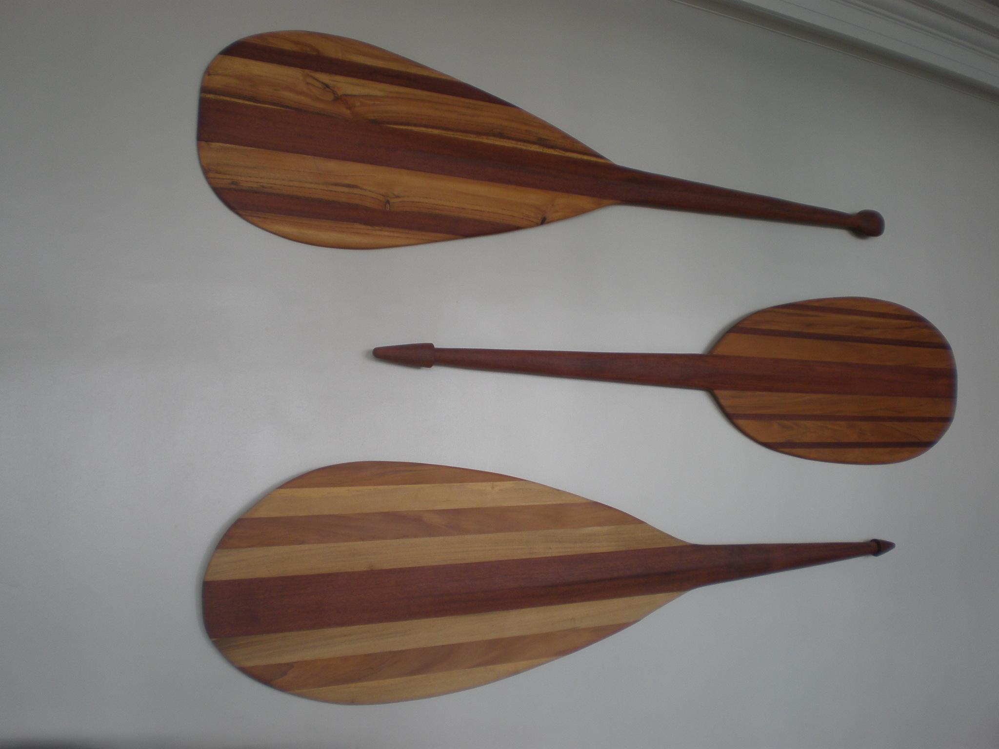 FileMoana Hotel canoe paddle displayJPG   Wikimedia Commons 2048x1536