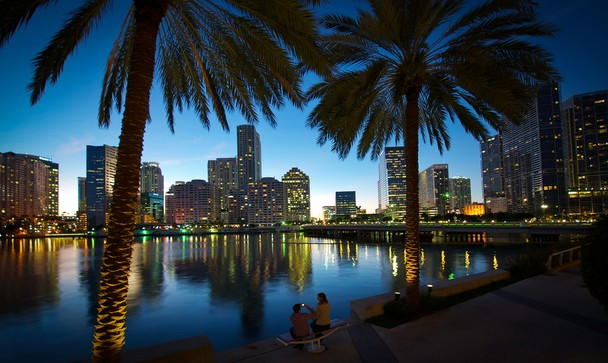 Picture time at Sunset Miami FL   National Geographic Photo Contest 608x363