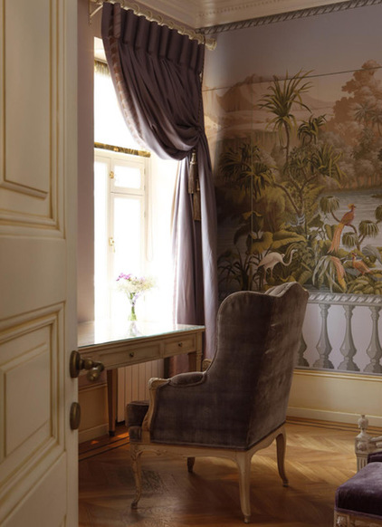 Turn a Wall into a Window with the Magic of Scenic Wallpaper 422x582