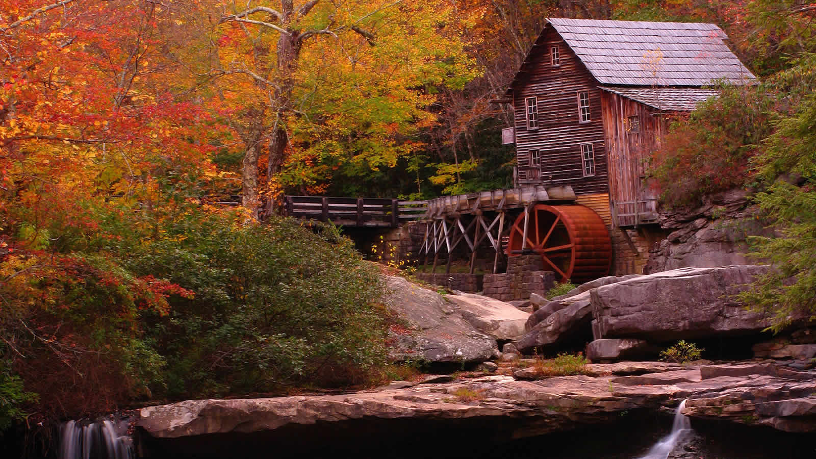 Pics Photos - Colorful Fall Colors By Mill House Stream ...
