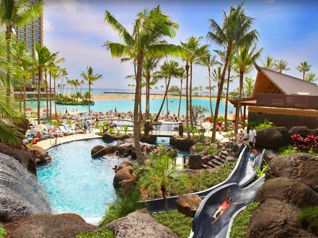 Hilton Hawaiian Village Lagoon Tower pristine beachfront resort 1024x768