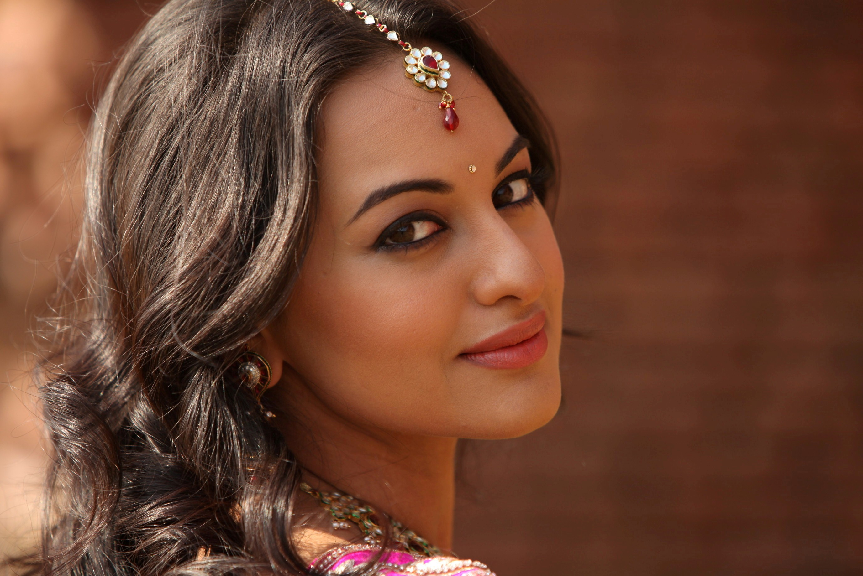 downloads 14824 tags sonakshi sinha actress celebrities bollywood 2753x1839