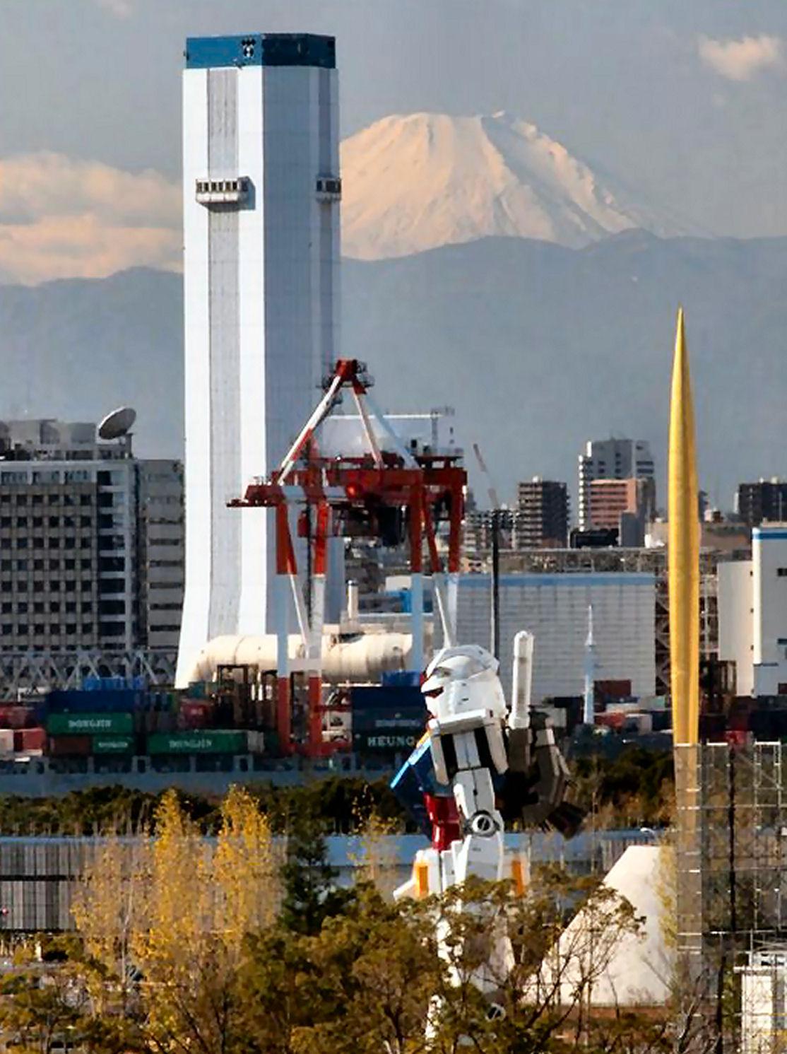 11 Life Size Gundam Statue Diver City Tokio Odaiba NEW 1114x1491