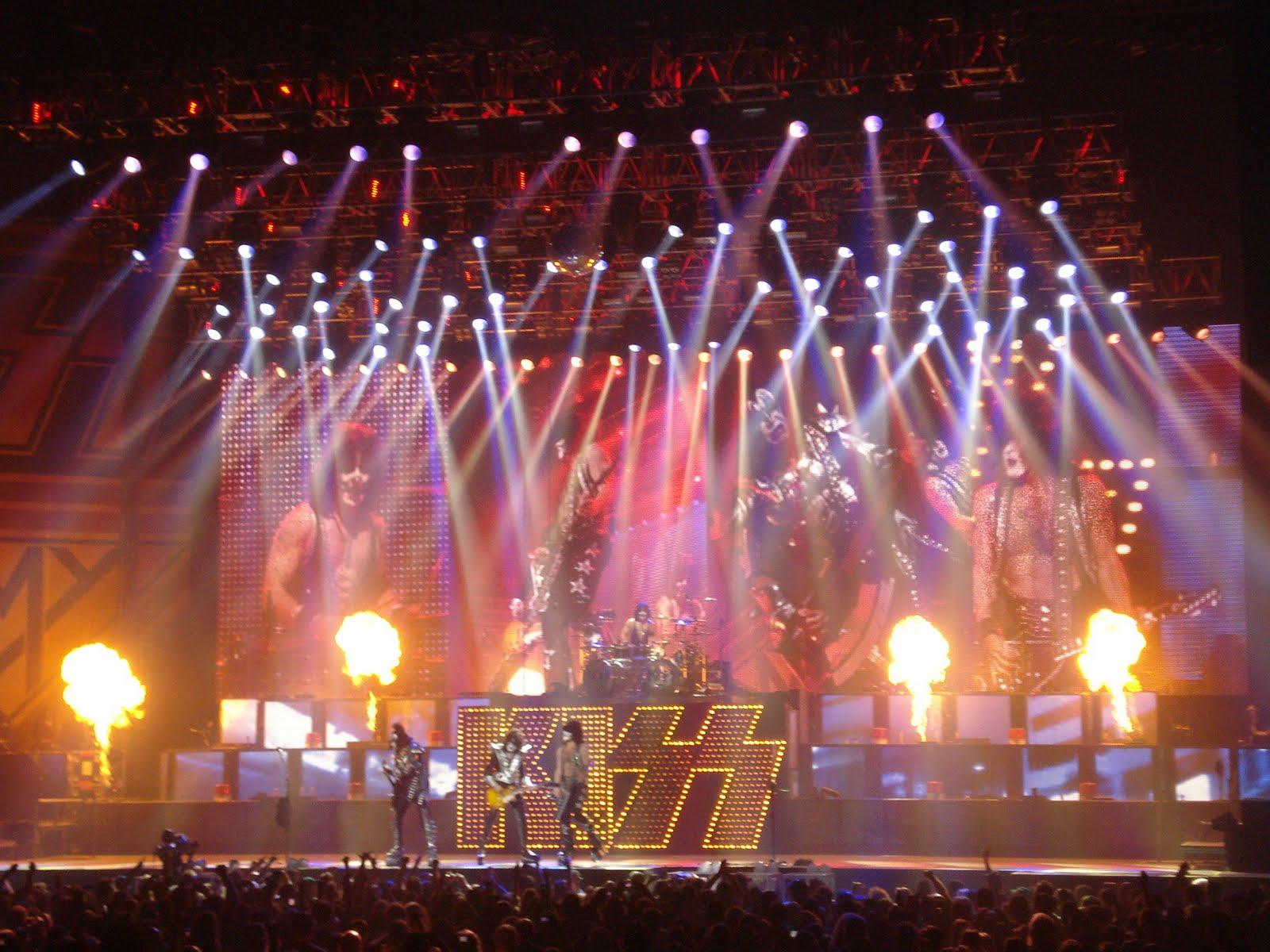 Kiss heavy metal rock bands concert crowd d wallpaper background 1600x1200