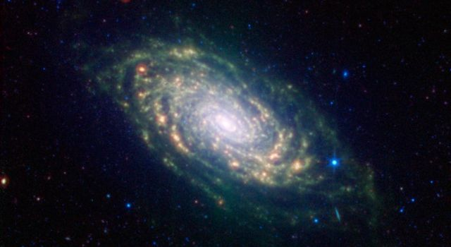 Space Images Spitzers Sunflower Galaxy 640x350