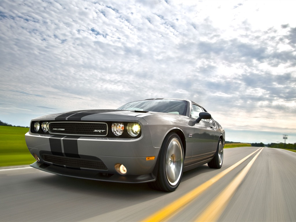 Silver car Dodge Challenger SRT8 392 2012 models HD wallpaper 1024x768