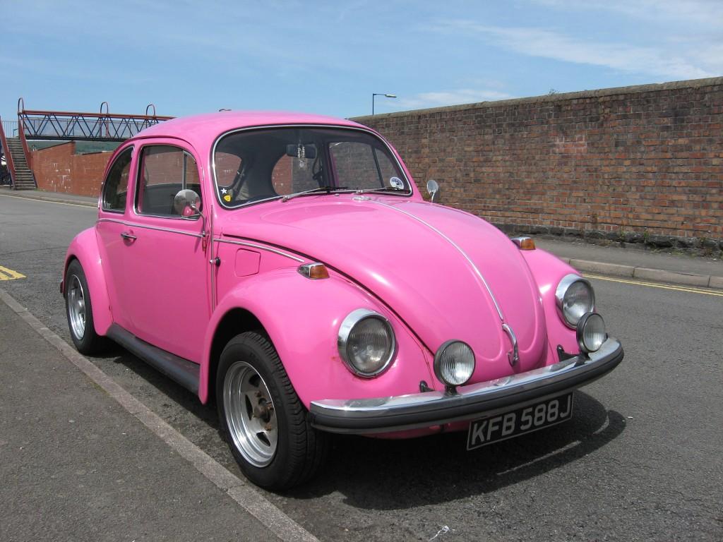 Pink Volkswagen Beetle   Wallpaper Pin it 1024x768