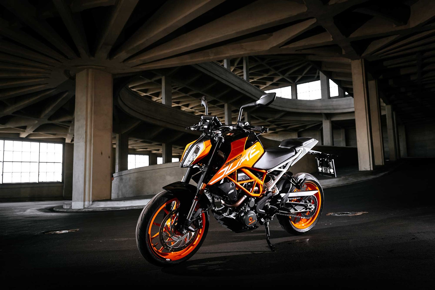 KTM 390 DUKE 2017 on Review MCN 1750x1168