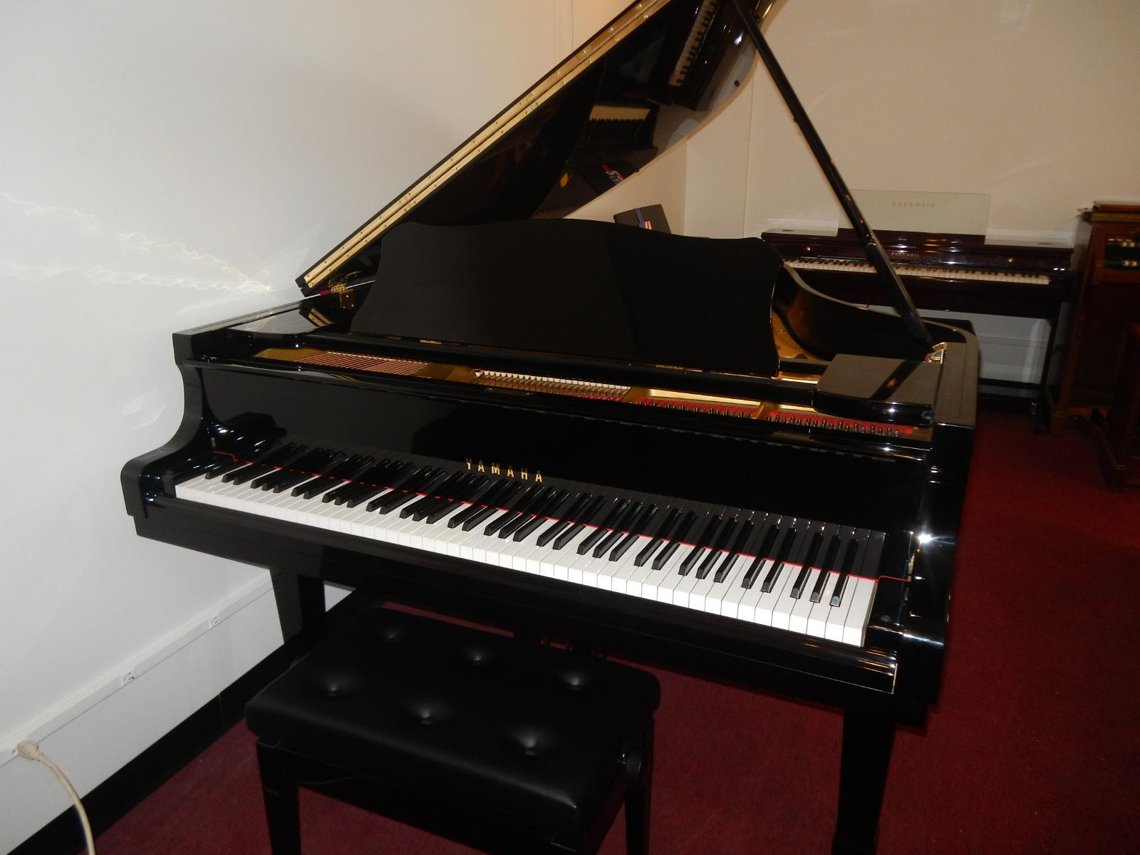 grand piano wallpaper - photo #21