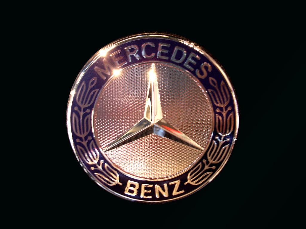 Mercedes Benz Logos 1024x768