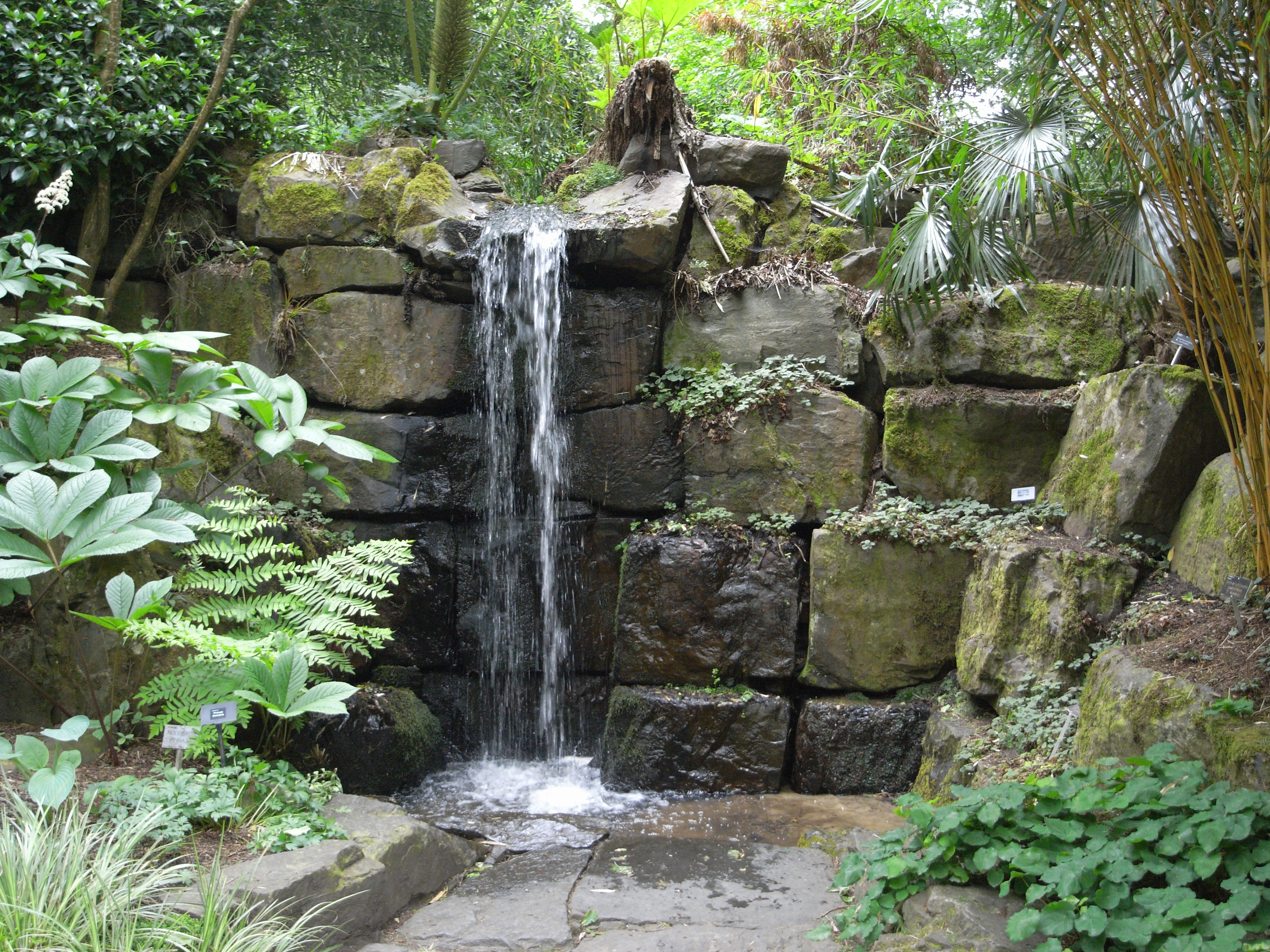 YP 3648x2736 jpeg v28 background Terrace by the waterfall 3648x2736