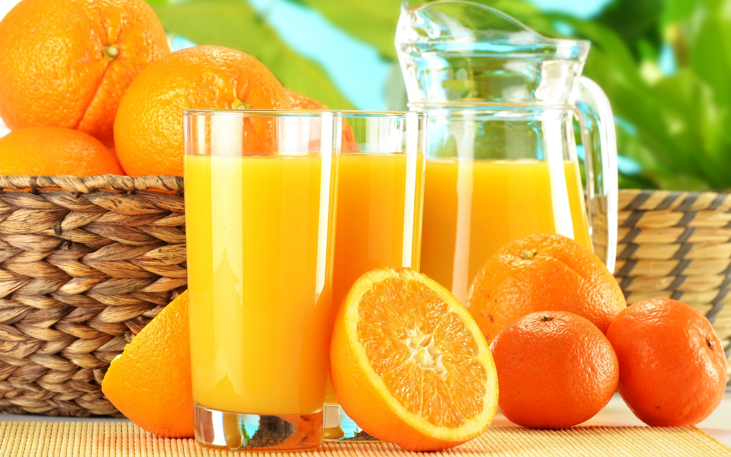 Squeeze Orange Juice Glass Wallpapers   2560x1600   885509 2560x1600