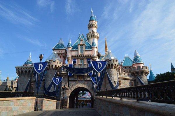 Disneyland 60th Anniversary   North America   The Creators Lounge 600x398
