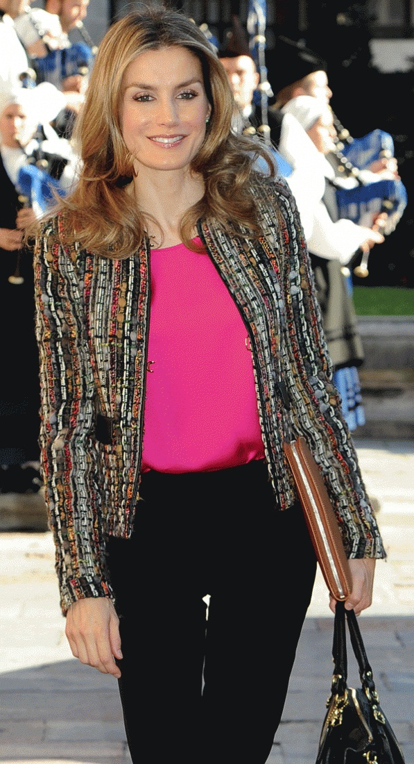 of spain queen letizia of spain photo 612808 0 vote 597x1100