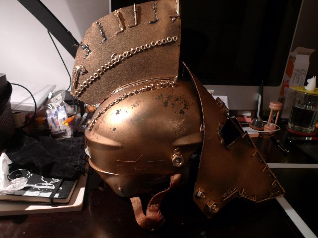 Spartan Helmet Wallpaper Spartan helmet 1 by 1024x768