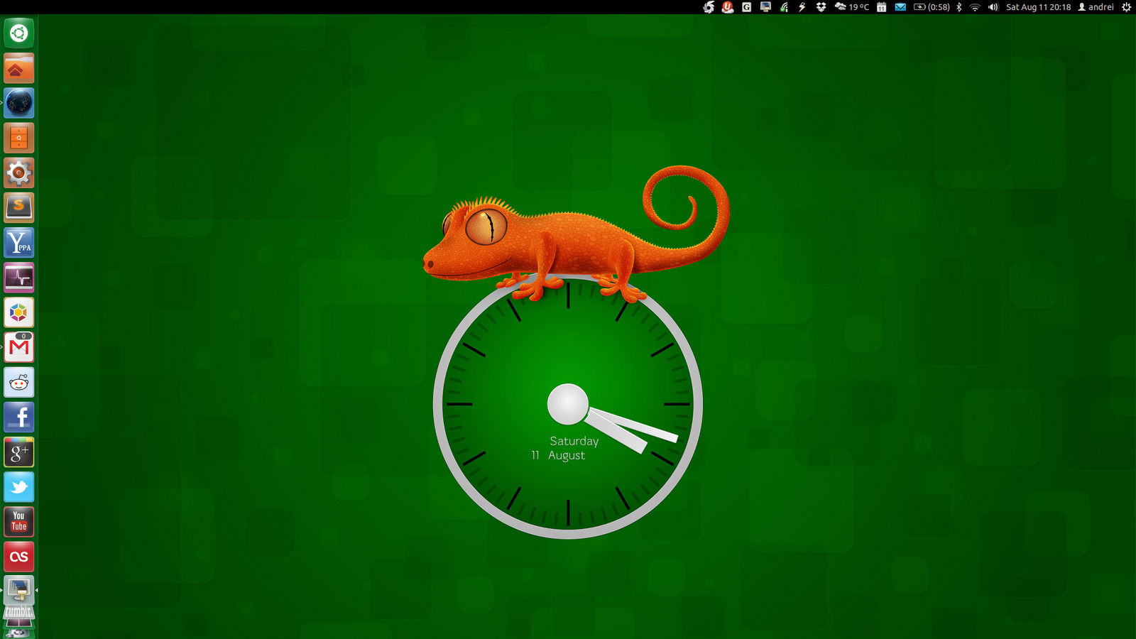 Important the wallpaper clocks wont show up in Slidewall until you 1600x900