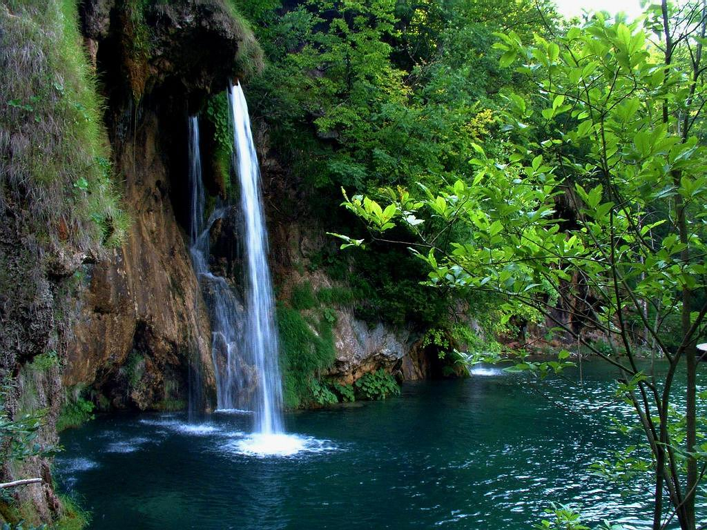 download live waterfall wallpaper which is under the waterfall 1024x768