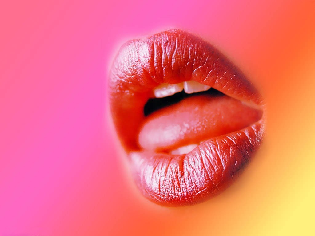 Hot Lips PPT Backgrounds for your PowerPoint Templates 1024x768
