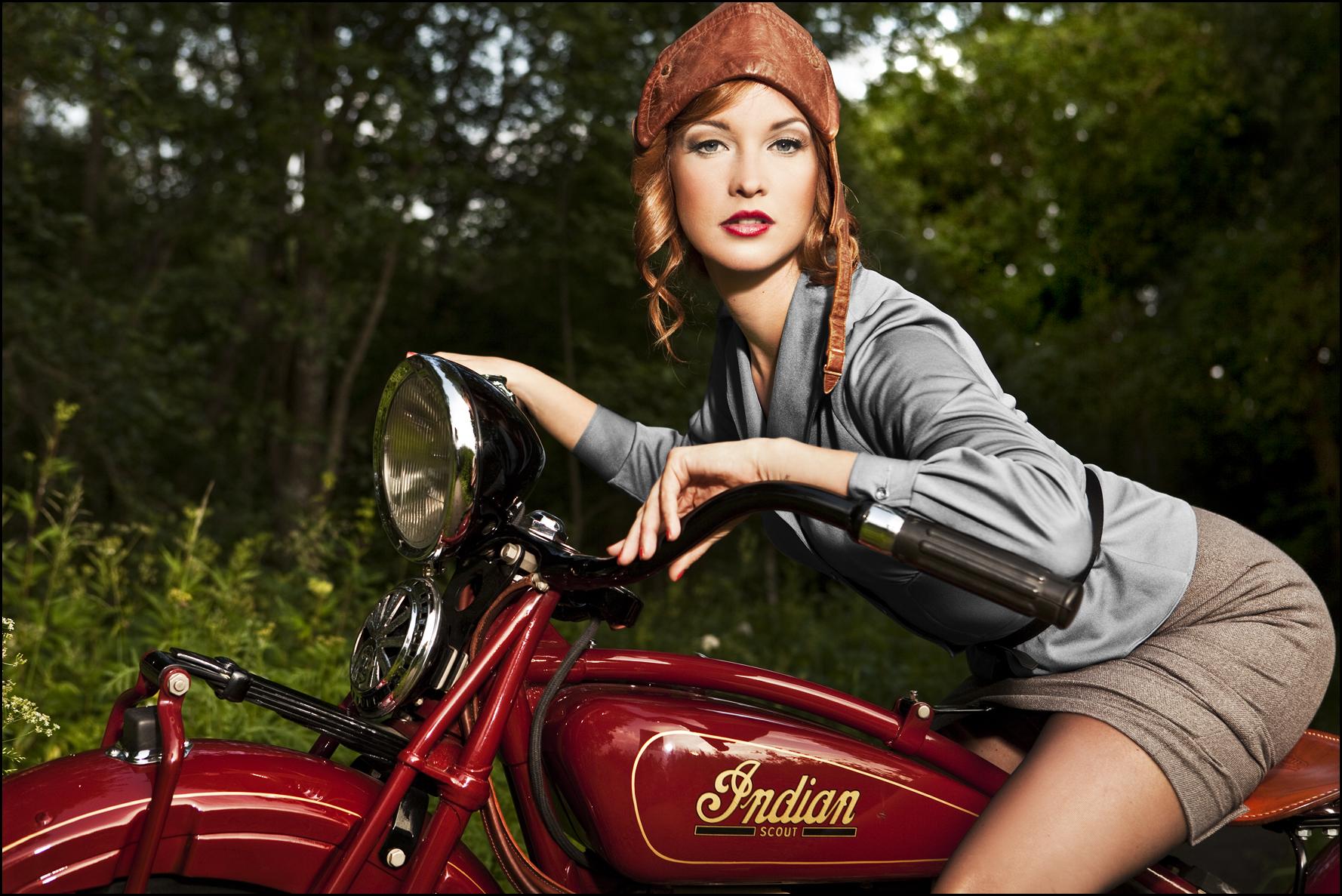 Hot Modern Pin Up Girls Youll Enjoy - Barnorama