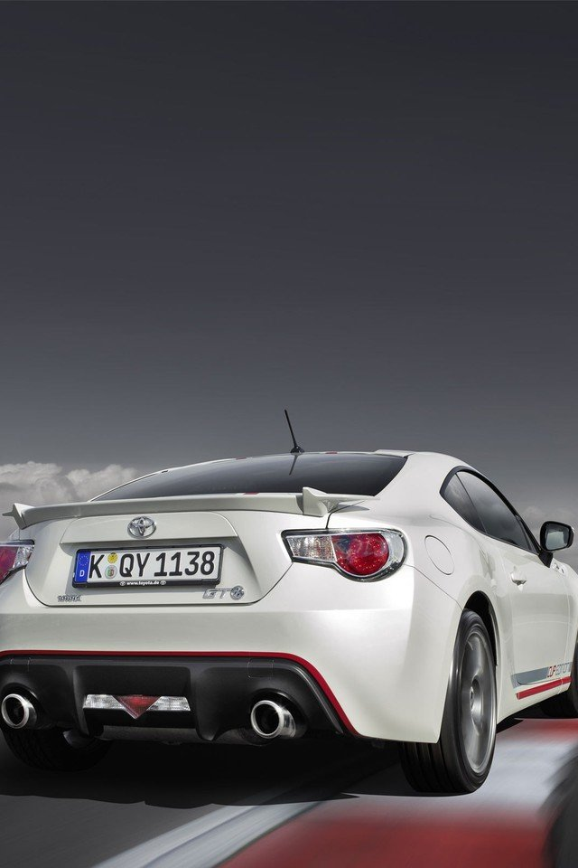 2014 toyota gt86 wallpaper 13501 PC en 640x960