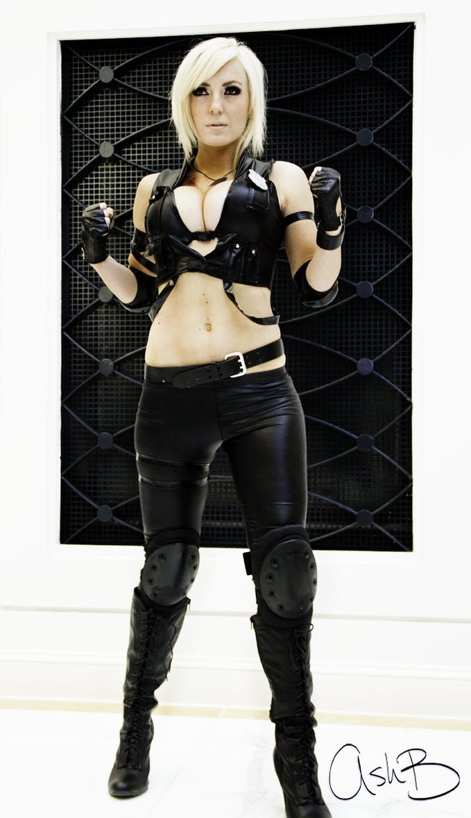Jessica Nigri as Sonya Blade by AshBimages 679x1178