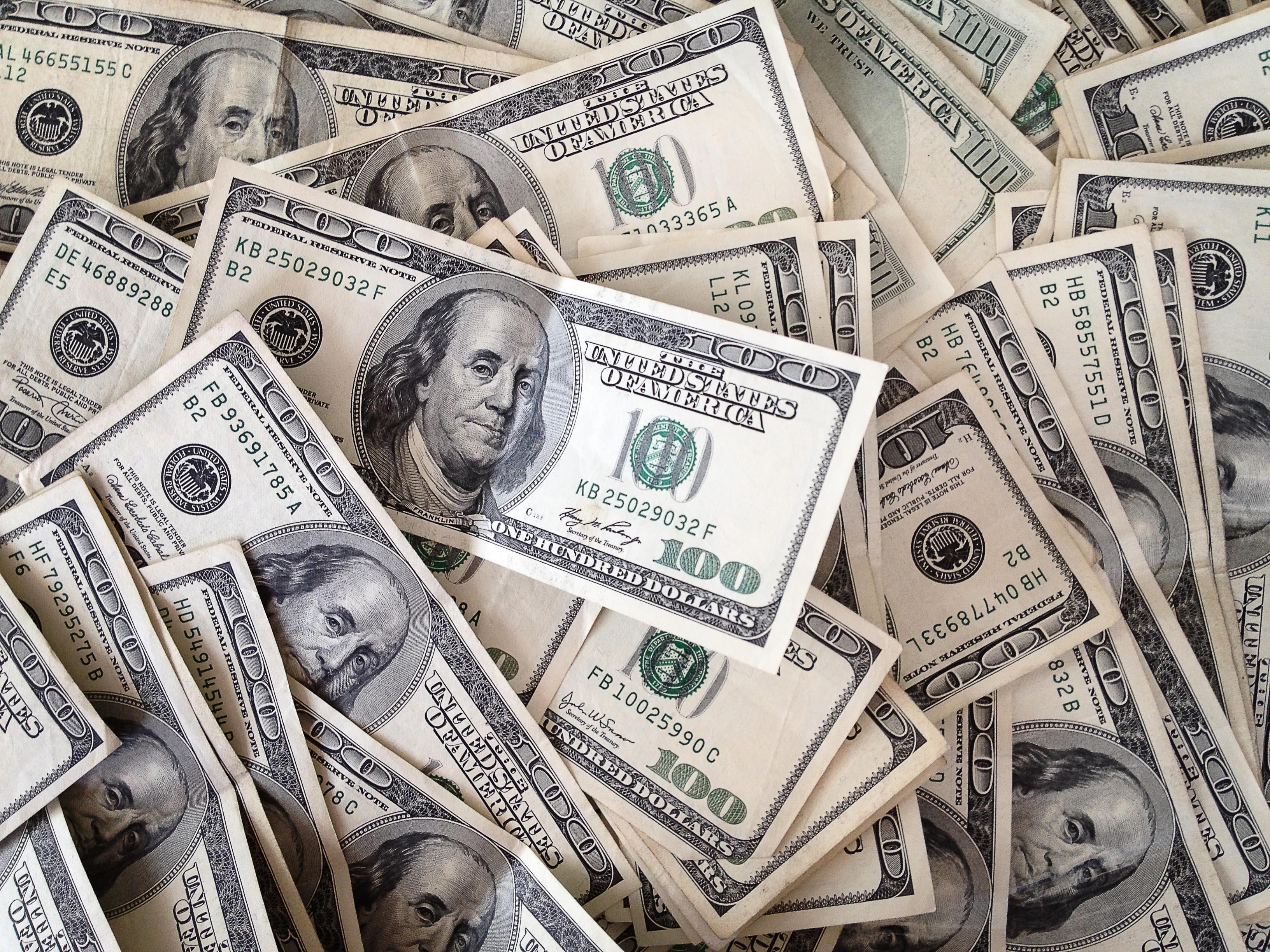 Pile Of 100 Dollar Bills 3264x2448