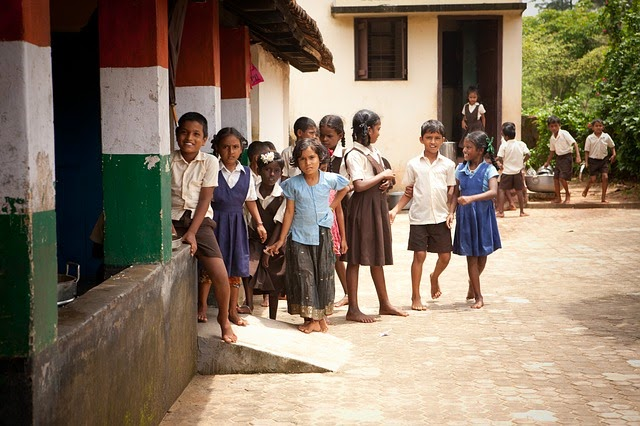 Kids Barefoot At School Image 640x426