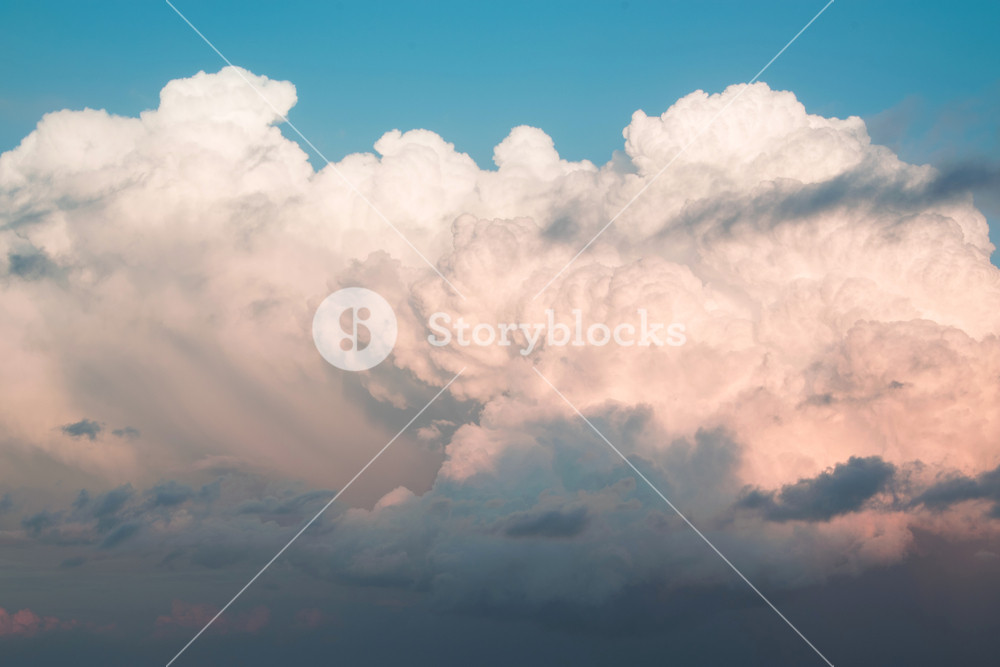 Natural background of fluffy clouds in the sky concepts   weather 1000x667