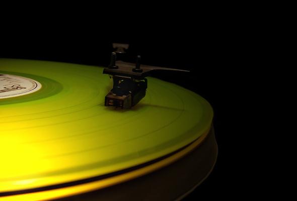 Wallpaper vinyl record vinyl desktop wallpaper Music GoodWPcom 590x400