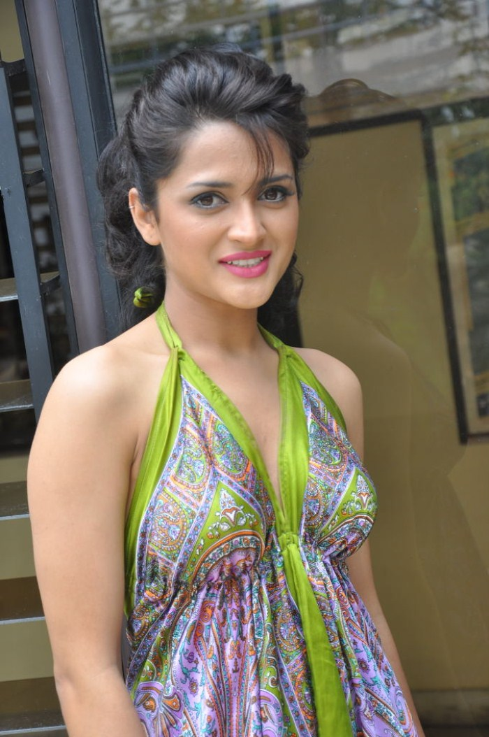 Www.Bollywood Sizzling Hot Com