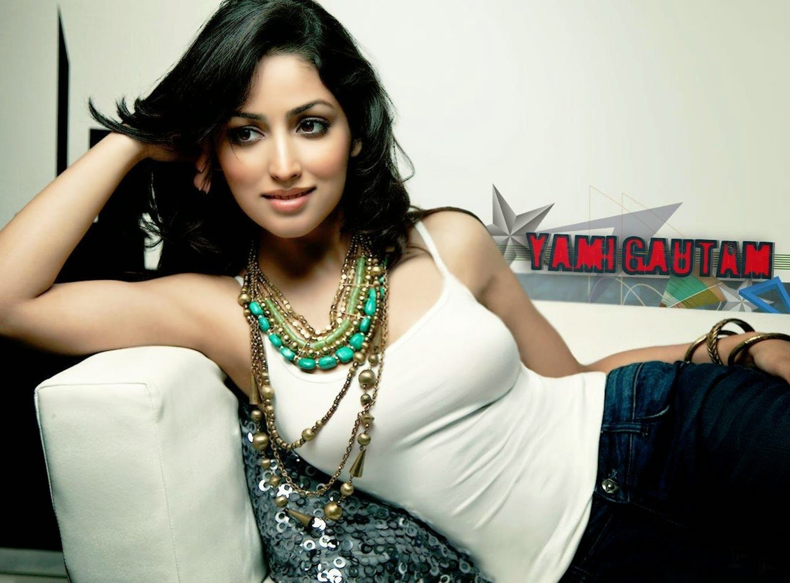 Bollywood Actress Yami Gautam Photoshoot: New Bollywood Actress Wallpaper 2015
