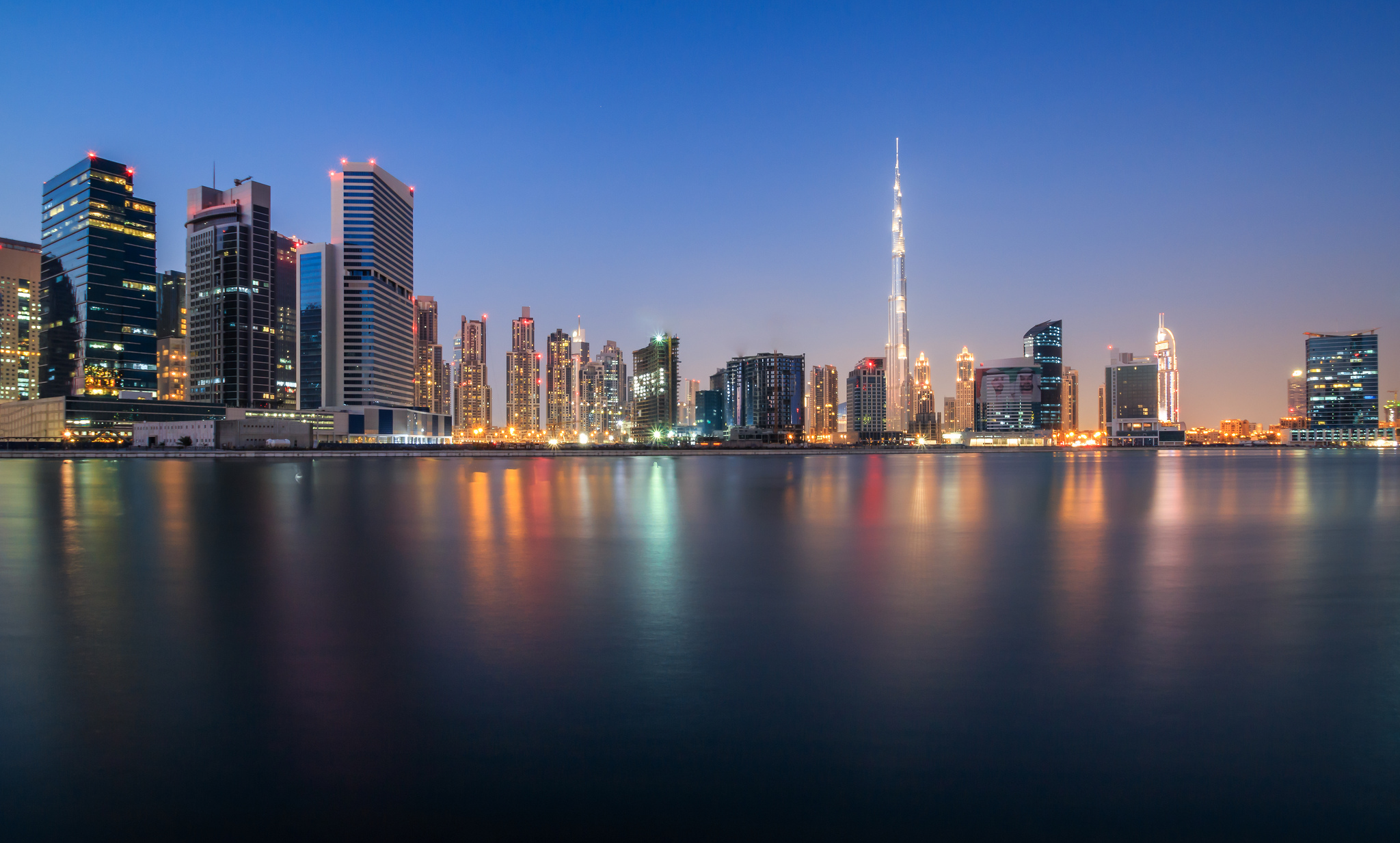 Wallpaper of Dubai [2048 x 1233] c4staticflickrcom 2048x1233