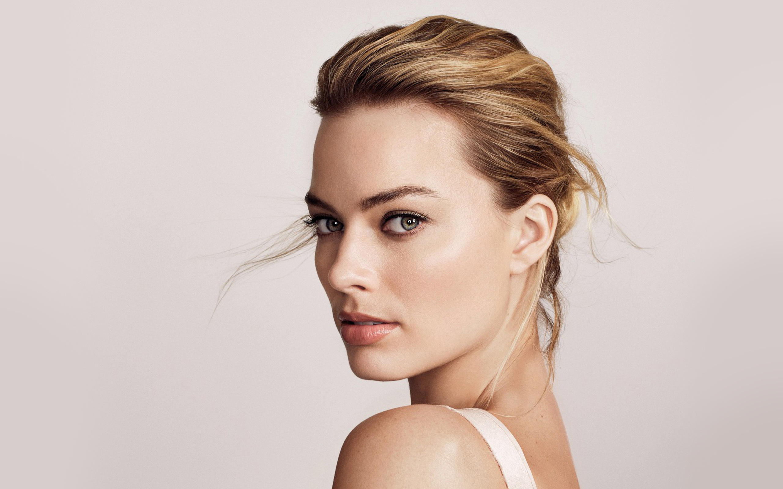 Margot Robbie Wallpapers Pictures Images 2560x1600