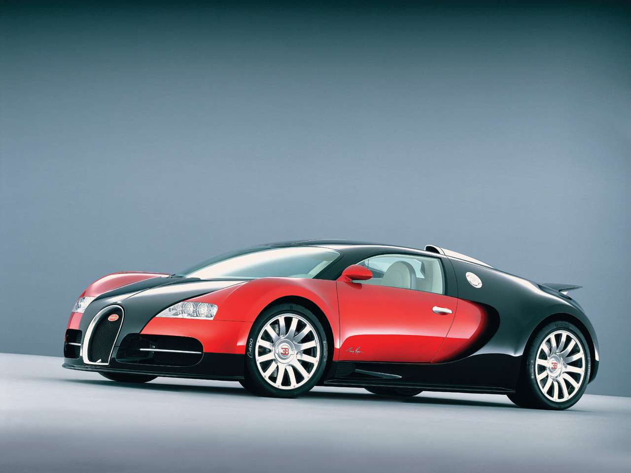 Red And Black Bugatti Veyron Wallpaper   image 429 1280x960