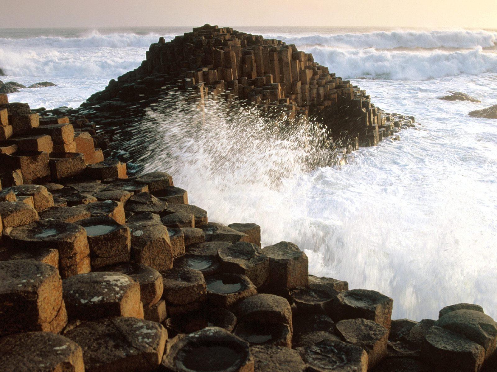 nature Landscape Giants Causeway Sea Waves Rock Rock 1600x1200