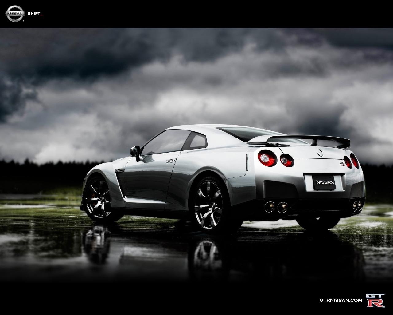 Amazing Photo Nissan GTR Wallpaper 1280x1024