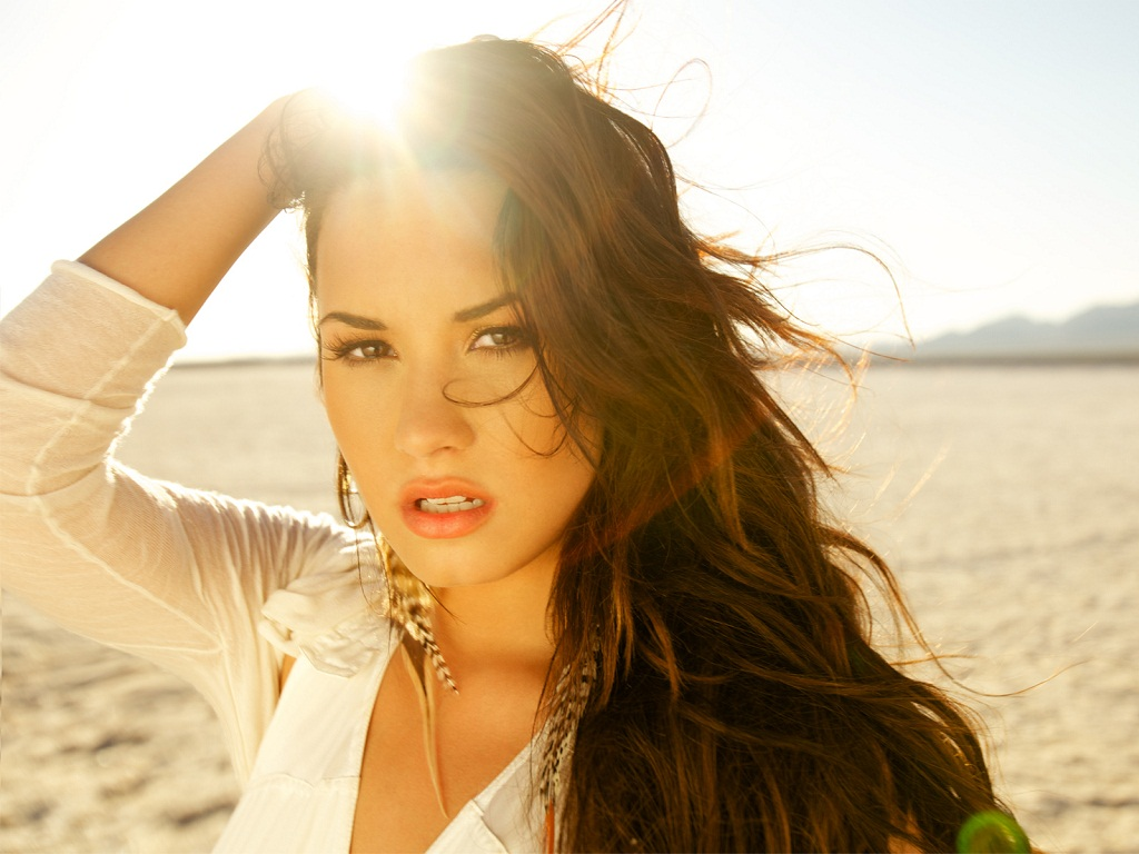 Demi Lovato 2011 Wallpapers HD 1024x768