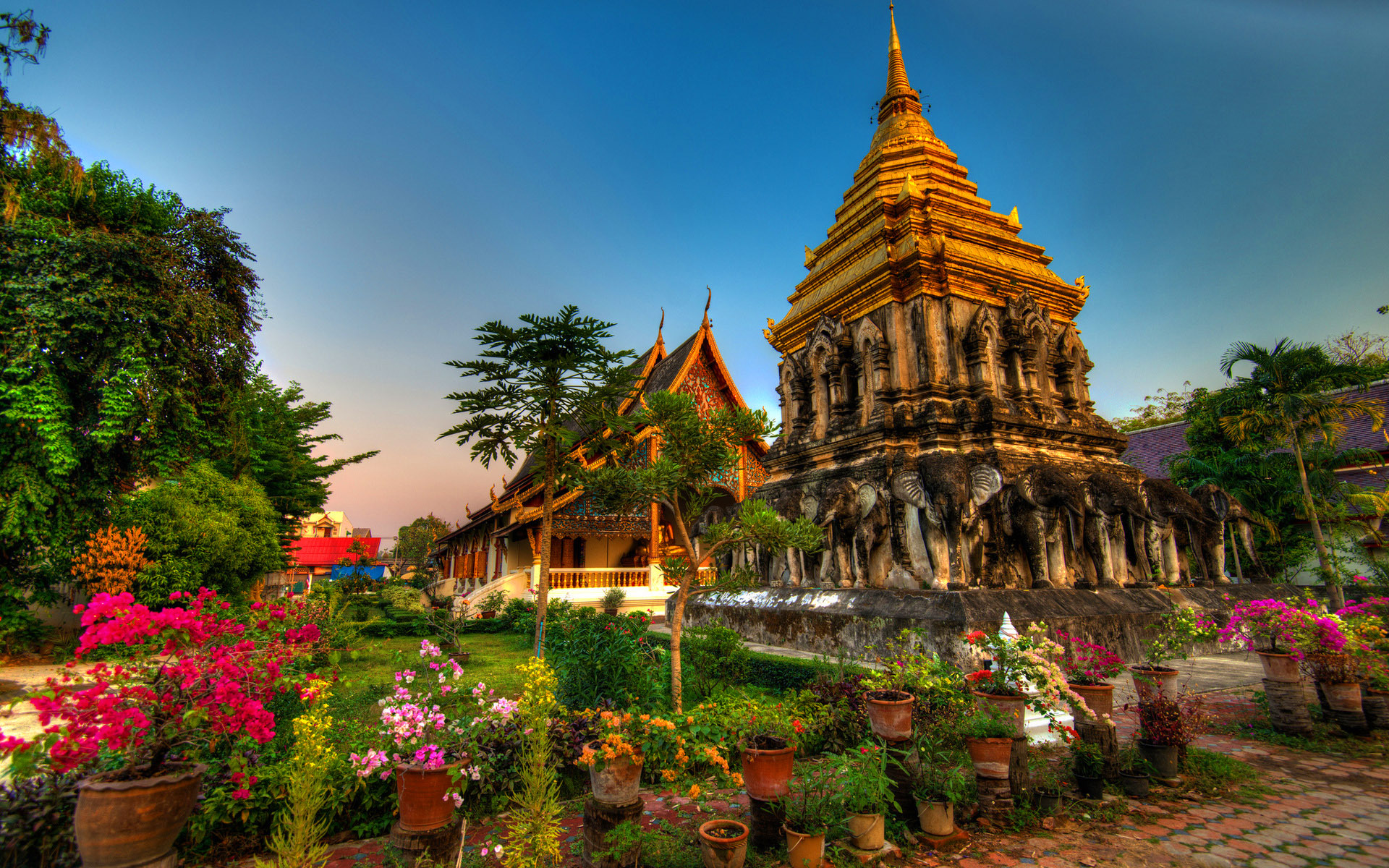 Chiang Mai Thailand wallpapers and images   wallpapers pictures 1920x1200
