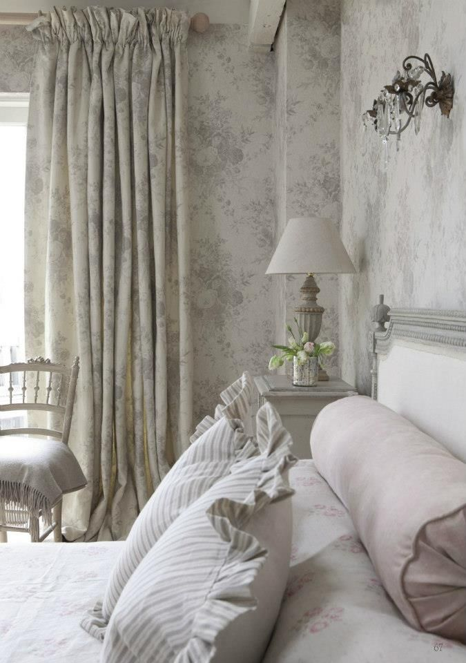 Matching wallpaper and curtains wallpapersafari - Papel pintado toile de jouy ...